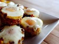 Картошка в духовке с яичницей Корзинки