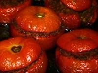 Старорусская кухня – фаршированные помидоры с салатом из грибов