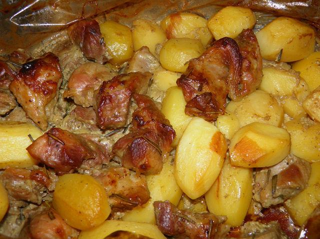тушеная в духовке картошка с мясом рецепт