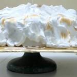 Белковый заварной крем для торта — промежуточное покрытие для тортов из мастики и под мастику.