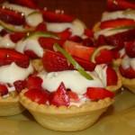 Тарталетки с ягодами и нежным кремом