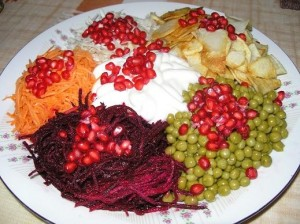 salat-kozel-v-ogorode-s-chipsami