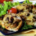 Бутерброды с грибами – универсальная закуска