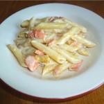 Блюдо итальянской кухни – паста с красной рыбой в апельсиново-сырном соусе