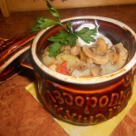 Тушеная печень с овощами в горшочке – рецепт старорусской кухни