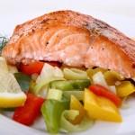 Отварной лосось под соусом – старорусская кухня