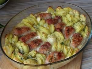 Мясные рулеты в сливочном соусе с картофелем – восхитительное сочетание