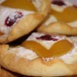 Творожные пирожные с фруктами – десерт, который вас удивит!