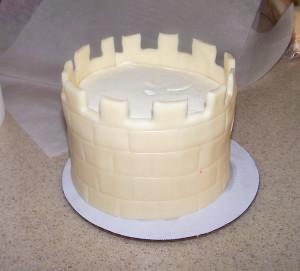Детский торт Замок. Мастер-класс-шаг 2