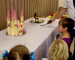 Детский торт Замок. Мастер-класс-шаг 3