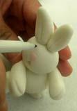Животные из мастики – как сделать зайца. Мастер-класс-шаг 6