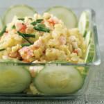 Старорусский салат с креветками и картошкой