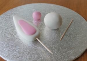 Пасхальное блюдо. Торт Кролик – как украсить? Мастер-класс-шаг 3