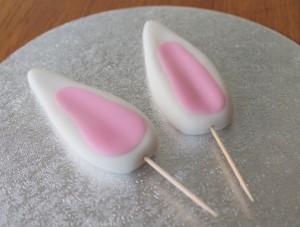 Пасхальное блюдо. Торт Кролик – как украсить? Мастер-класс-шаг 4
