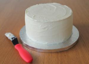 Пасхальное блюдо. Торт Кролик – как украсить? Мастер-класс-шаг 7