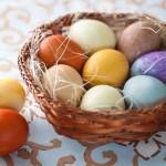 Как покрасить яйца натуральными красителями. Пасхальные яйца
