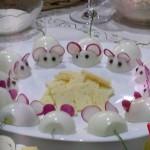 Оригинальные фаршированные яйца Мышки